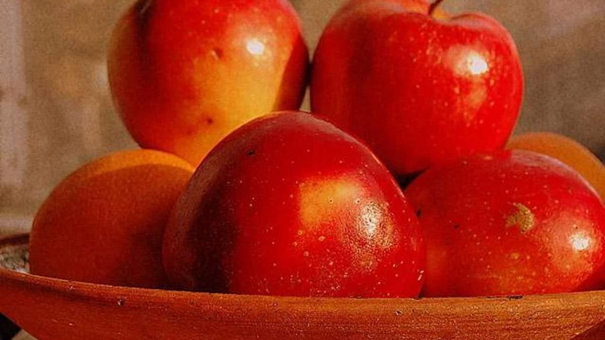 Диетолог: Яблоки и яйца - залог красоты