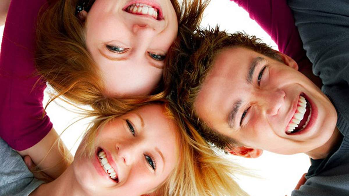 Укрепить иммунитет помогут фрукты и безудержный смех
