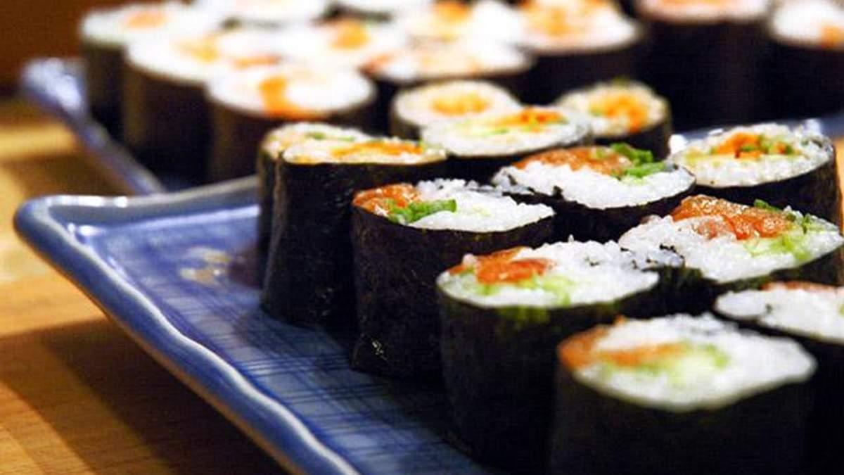 Дієтолог: Суші не можна вважати дієтичною їжею