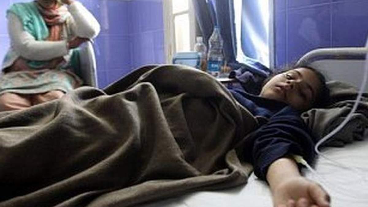 Масове отруєння в індійській шкільній їдальні: померли 22 дитини