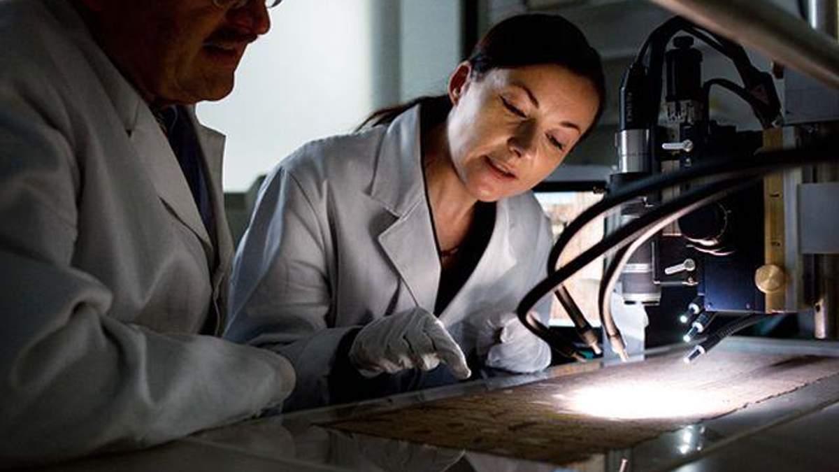 Ученые изобрели скальпель, который сам распознает раковые клетки