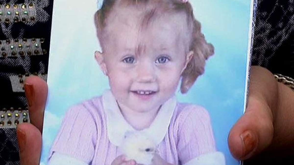 На Луганщине умерла девочка, поглотившая батарейку