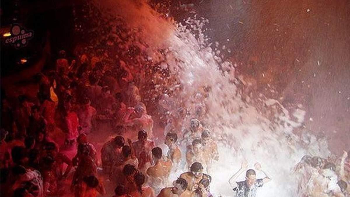 У Сумах пінна вечірка завершилася госпіталізацією 5 людей