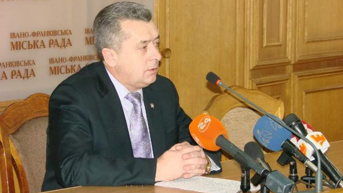 Мэр Ивано-Франковска, который попал в ДТП, готовится к двум операциям