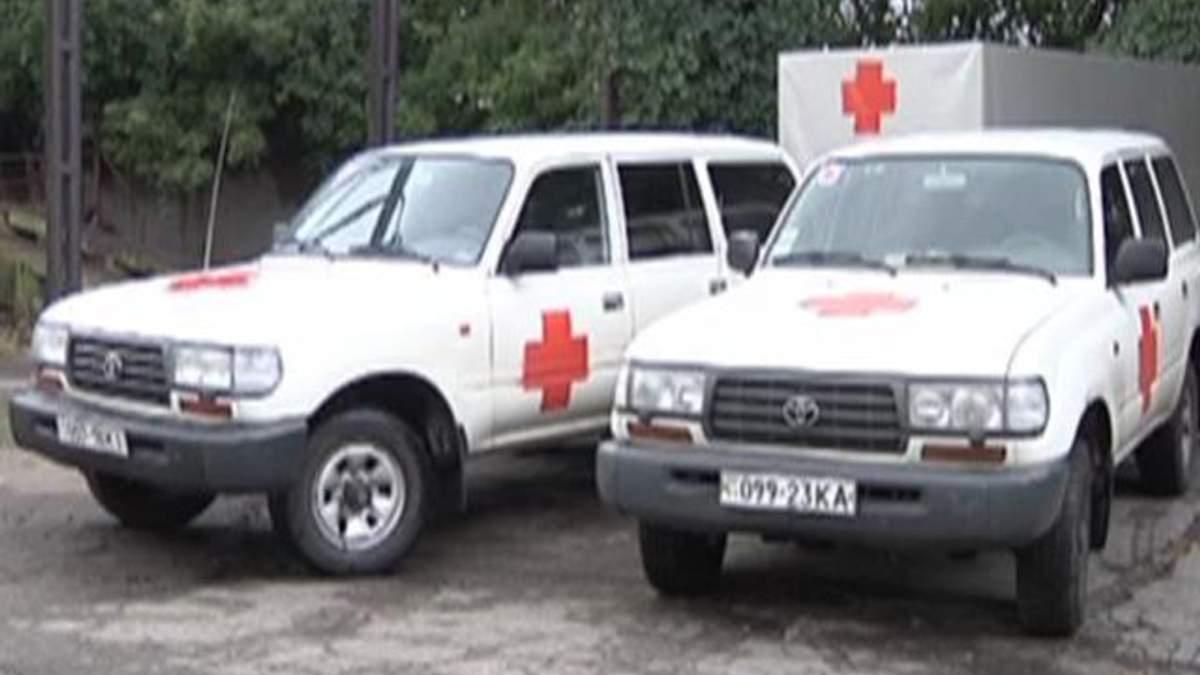 """Запоріжжя відправило у Маріуполь близько 10 """"швидких"""" з медиками"""