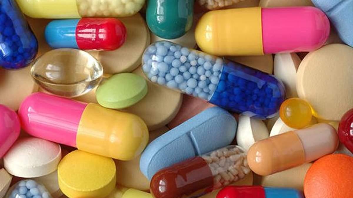 Порошенко дозволив ввозити незареєстровані ліки, які дозволені у США та ЄС