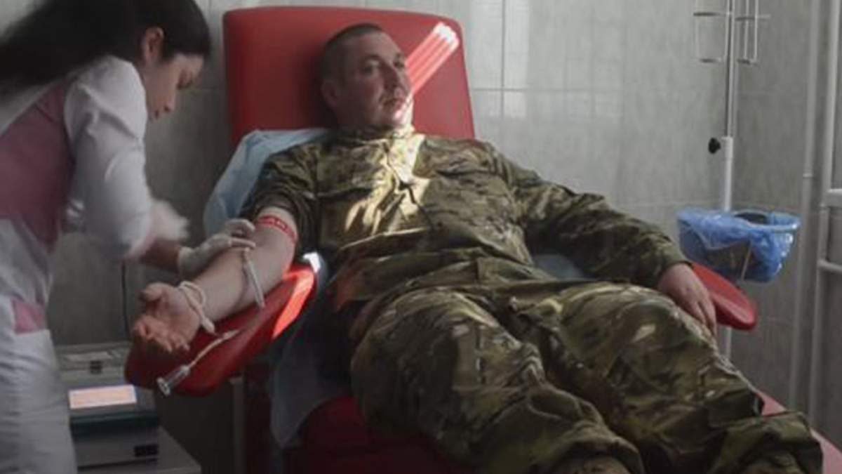 """Бійці батальйону """"Київ-1"""" здали кров для поранених воїнів"""