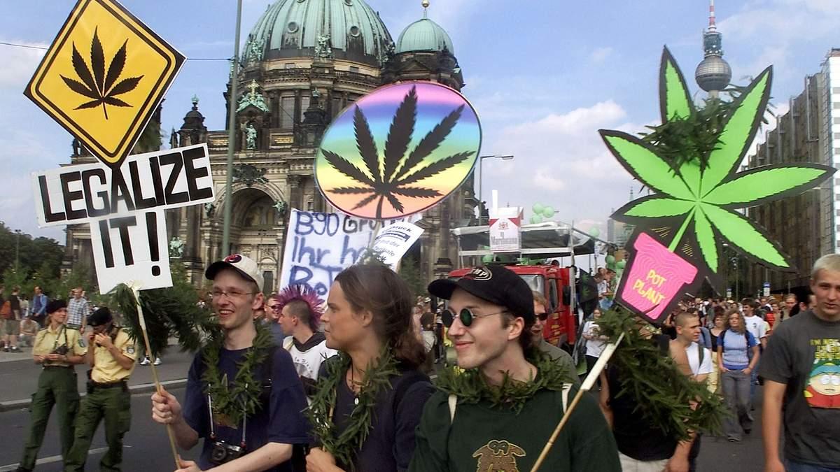 За легализацию высказываются политики и бизнесмены