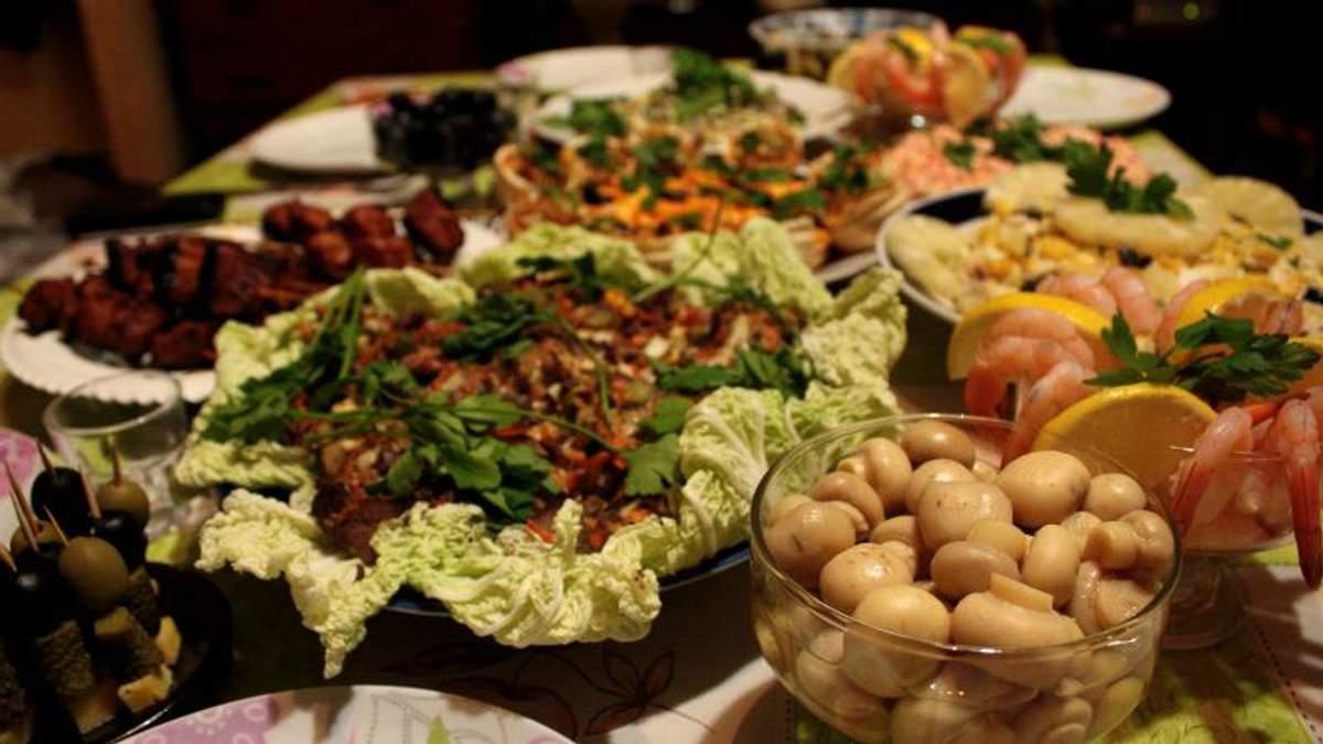Чому люди переїдають у святкові дні