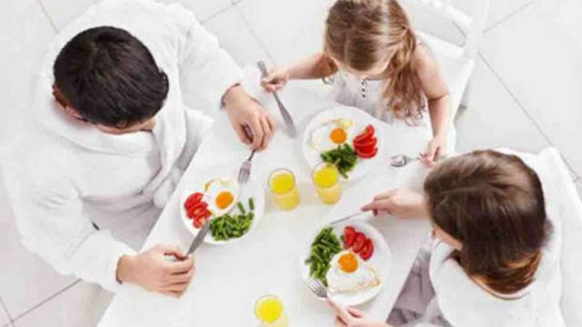 Вчені розповіли про найкорисніший час для сніданку