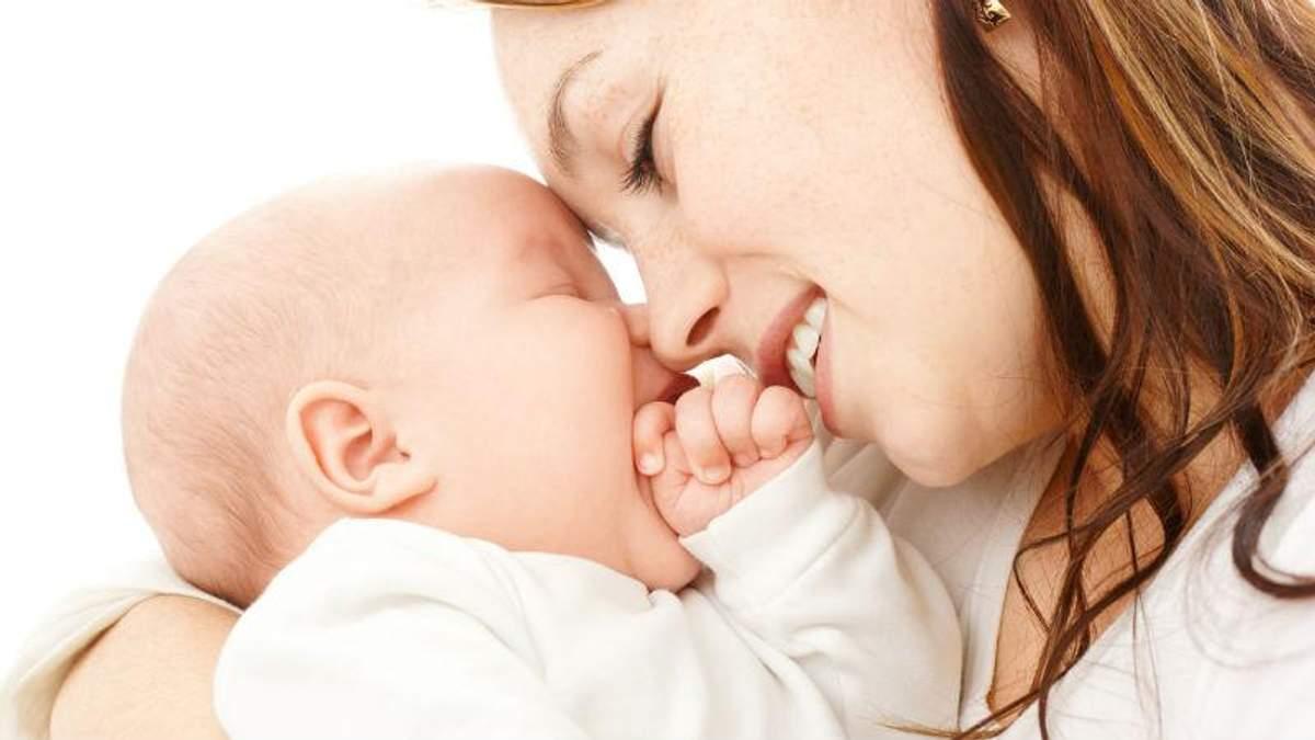 Вчені довели – діти успадковують розум матері