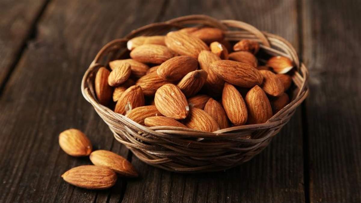 Не только чеснок. Медики назвали вкусный орех, который укрепит иммунитет