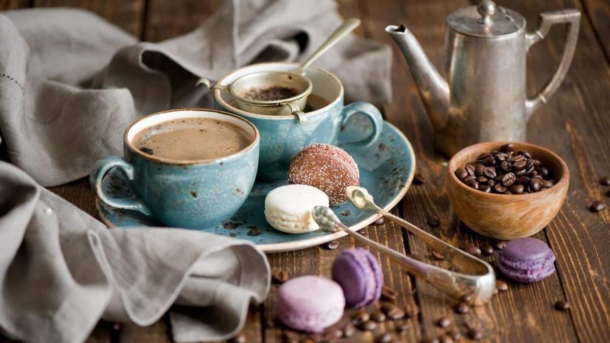 Когда полезнее всего пить кофе и какова его калорийность: названо время