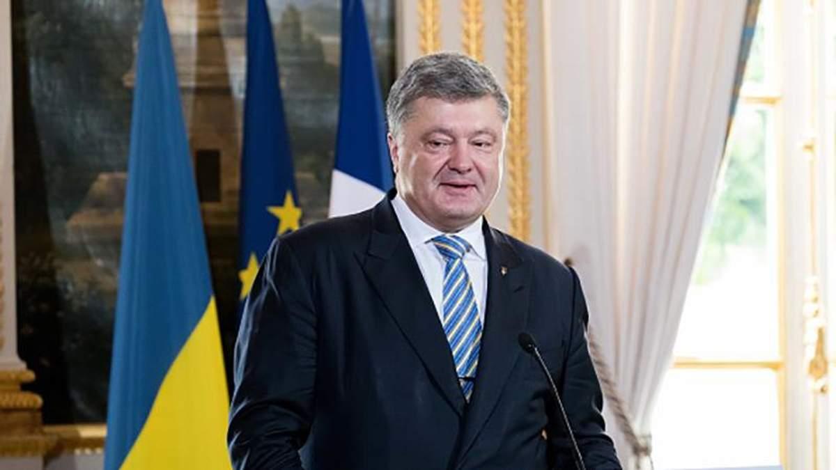 Во время встречи с Порошенко несколько человек потеряли сознание в Сумах