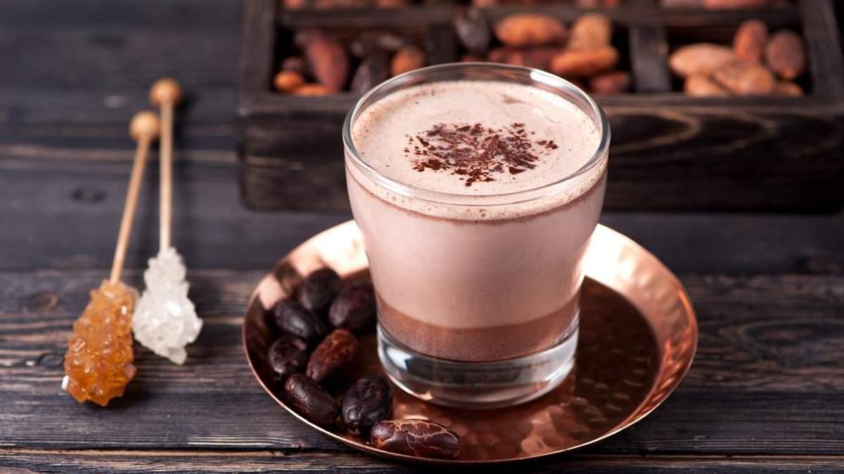 Вчені розповіли, в який час дня найкорисніше пити какао