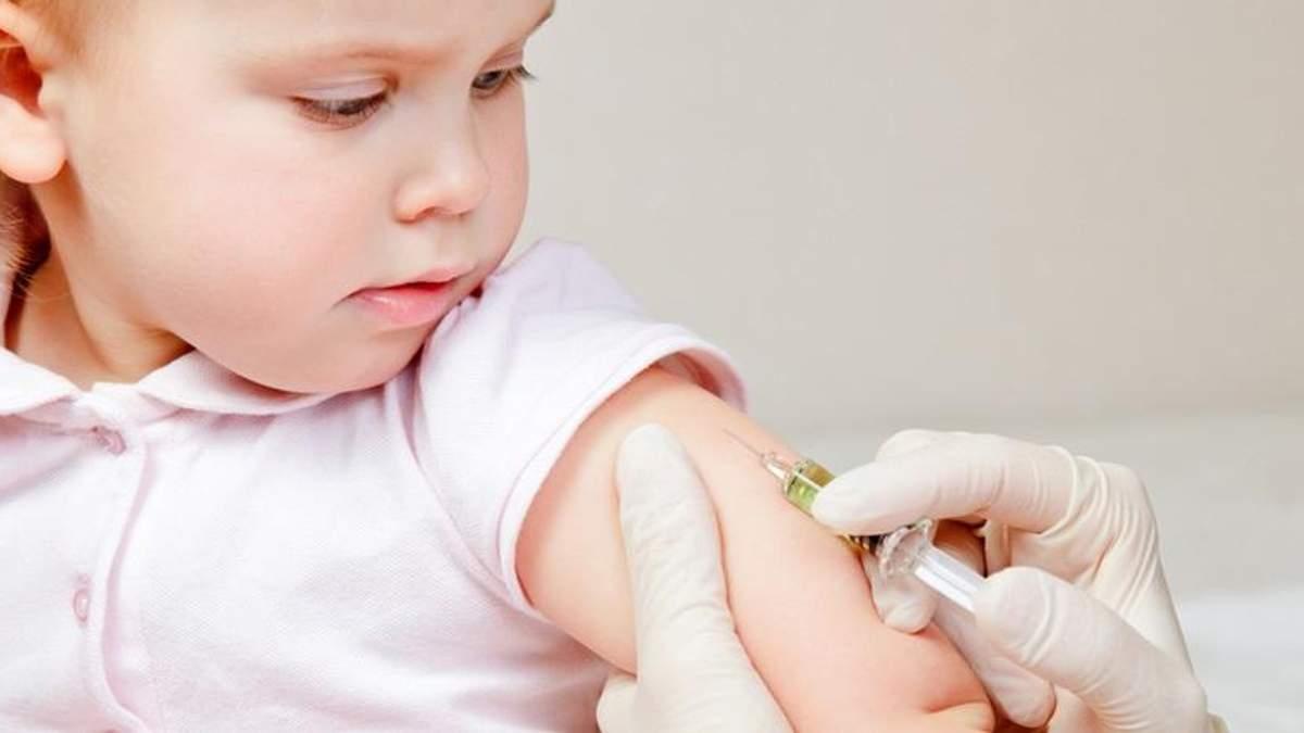 По уровню вакцинации детей Украина оказалась рядом с Чадом и Сомали