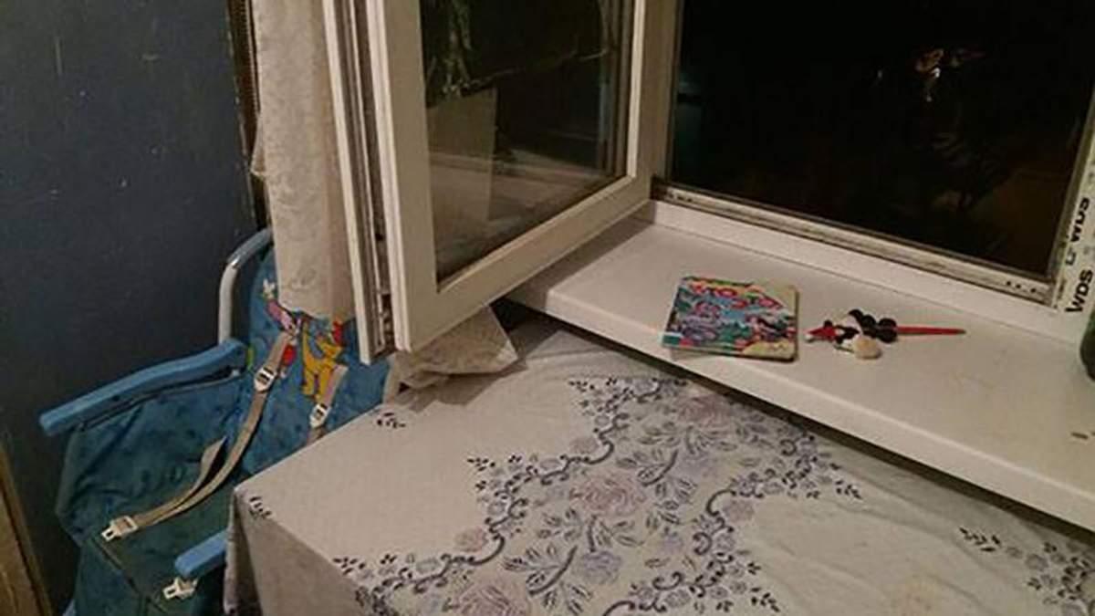 Мама недосмотрела: 1,5-летний ребенок упал с 4 этажа на Донбассе