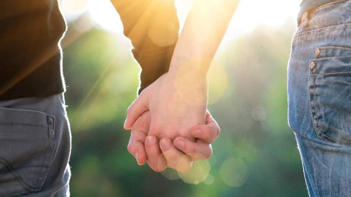 З якими чоловіками жінки почуваються щасливіше: відповідь вчених