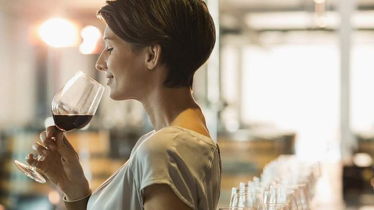 Вчені знайшли неочікуваний зв'язок між вином і схудненням