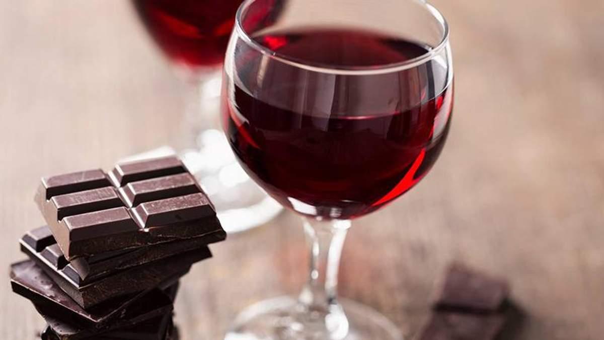 Шоколад и вино способны замедлить процесс старения