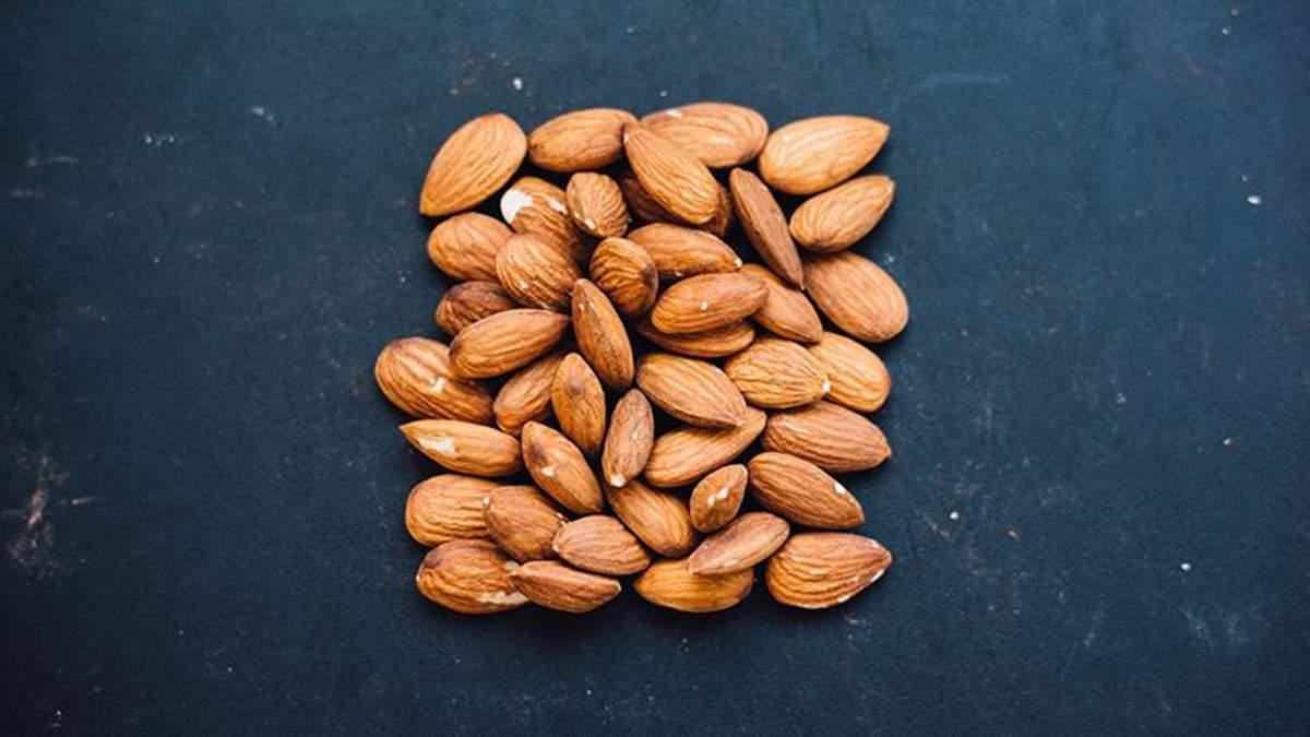 Почему надо добавить в свой рацион орехи