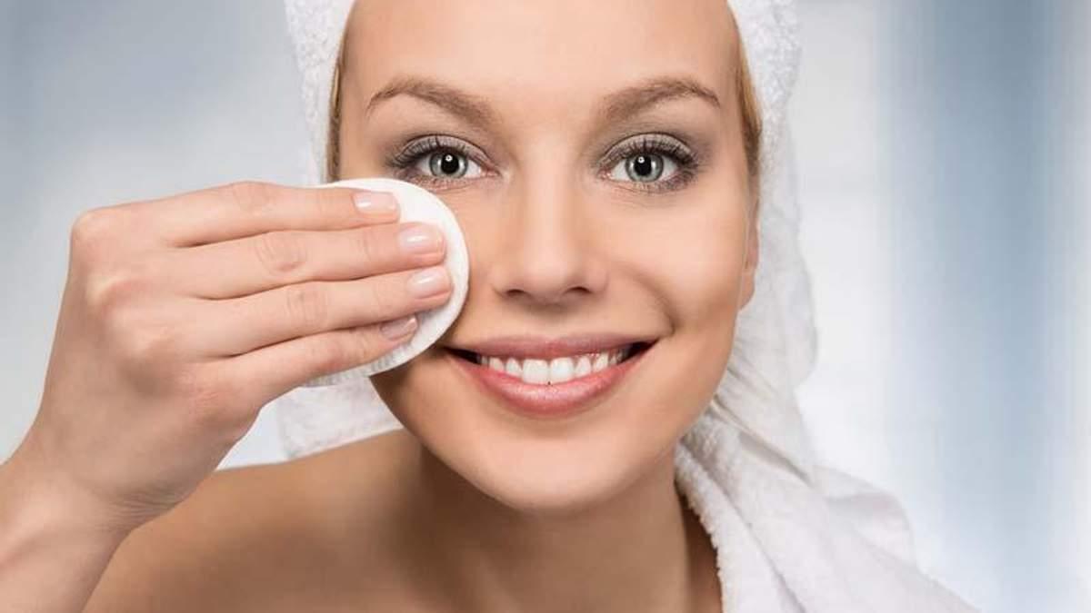 Що відбувається з вашою шкірою, якщо ви не змиваєте макіяж