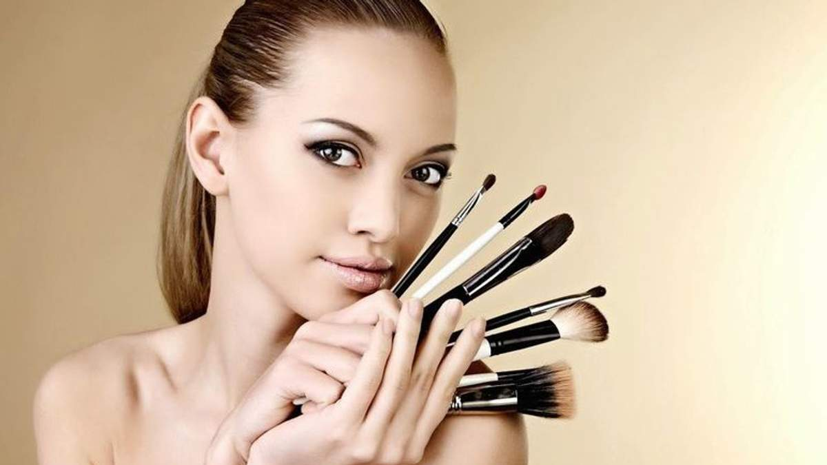 Как правильно наносить макияж женщинам, старше 30: полезные секреты
