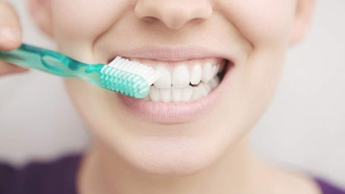 Міфи про чищення зубів, в які не варто вірити