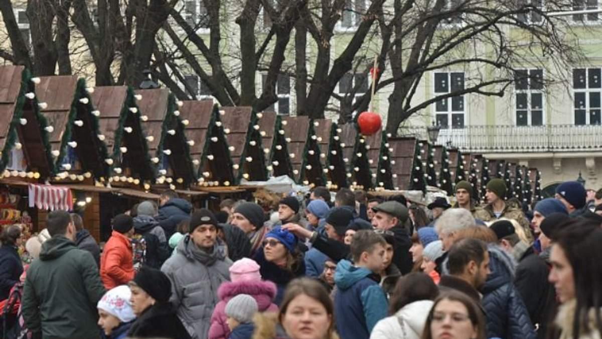 Кір в Україні лякає американців: мандрівників закликають вакцинуватись
