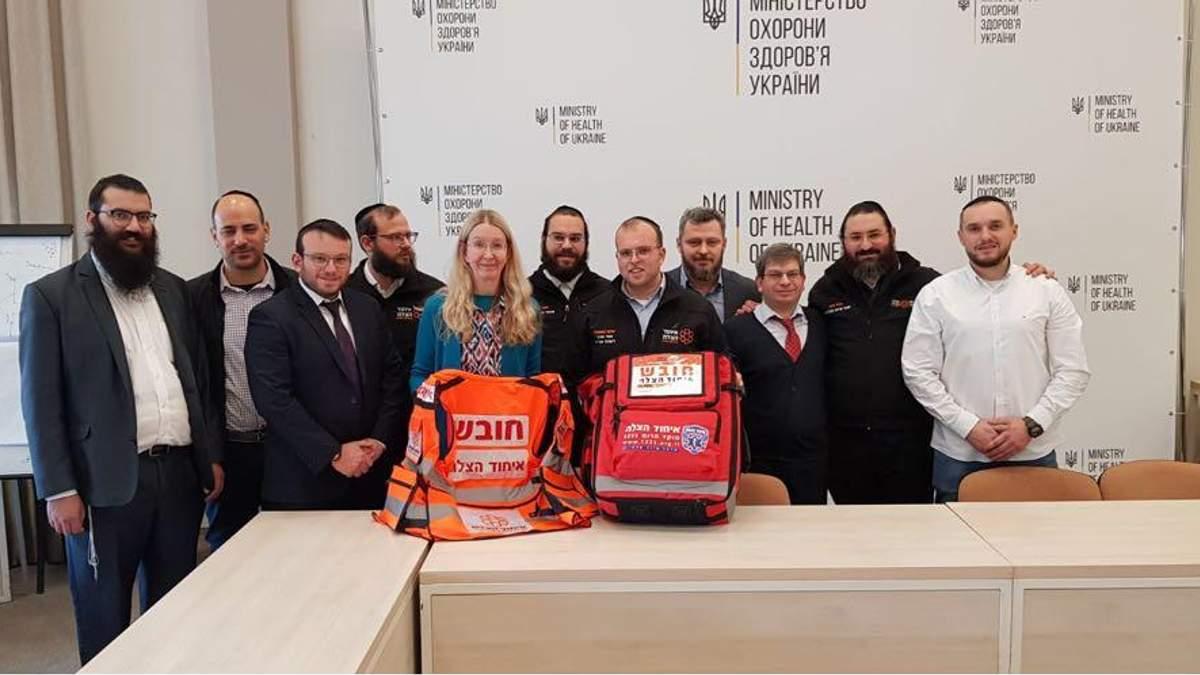 """""""Будут выезжать на велосипедах, бежать самостоятельно"""": израильские медики будут помогать украинцам"""