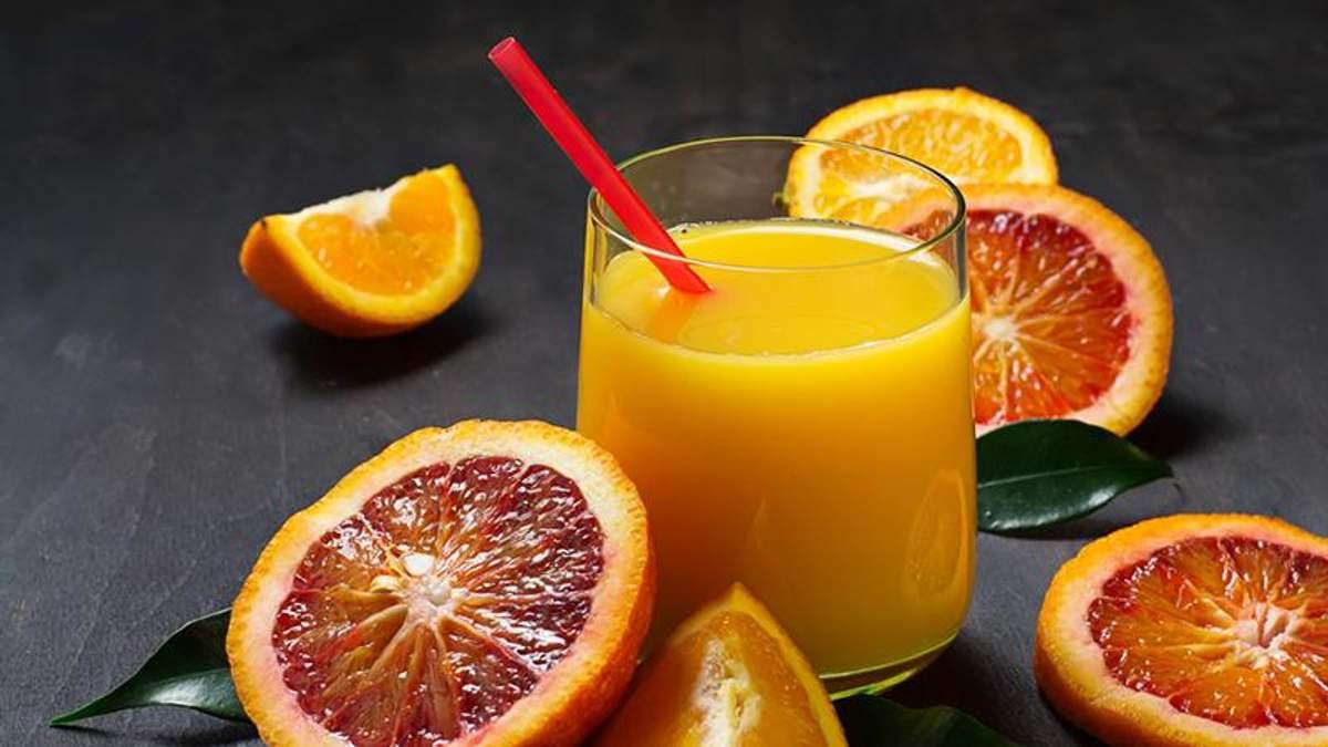 Вчені назвали, чим шкідливі фруктові соки