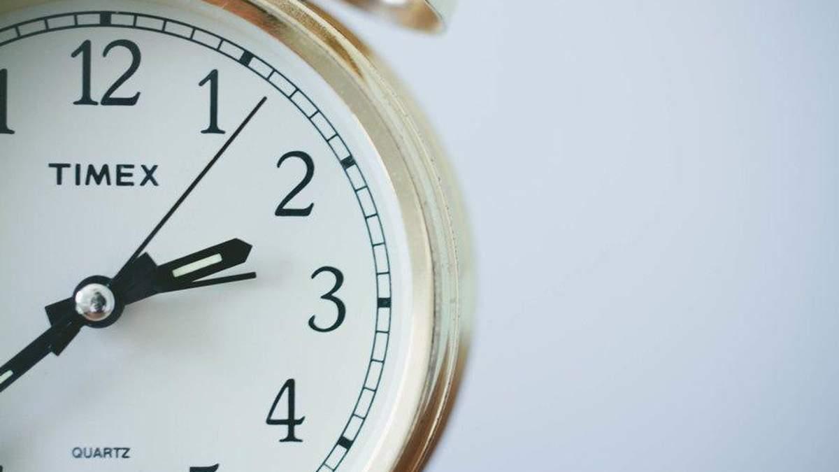 Стоит ли отменить перевод часов в Украине? Ваше мнение