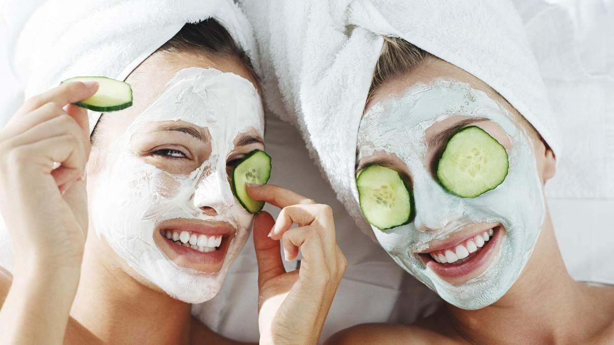 ТОП-5 популярных масок, которые опасно наносить на лицо