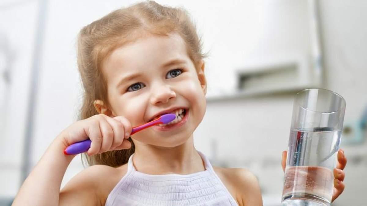 Як правильно та як довго потрібно чистити зуби: поради