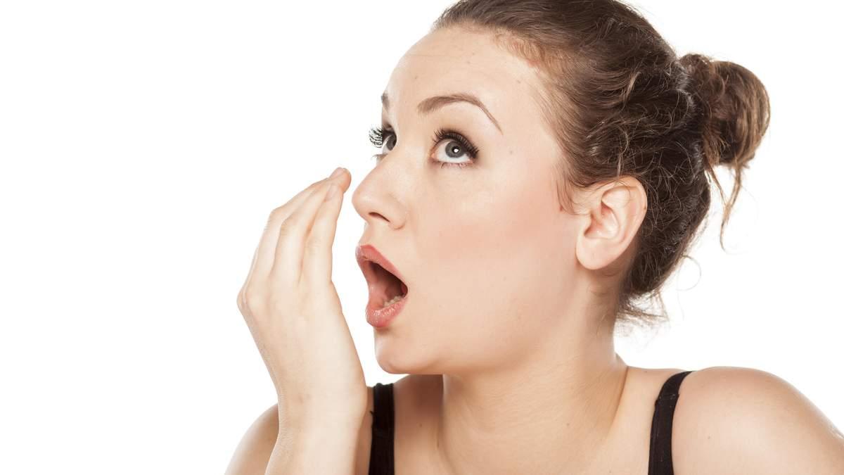 Как избавиться от неприятного запаха изо рта: проверенные способы