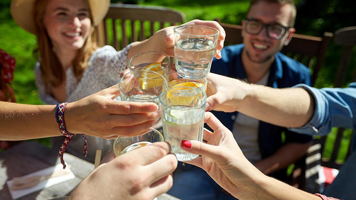 Сколько нужно пить воды в день человеку - простая формула