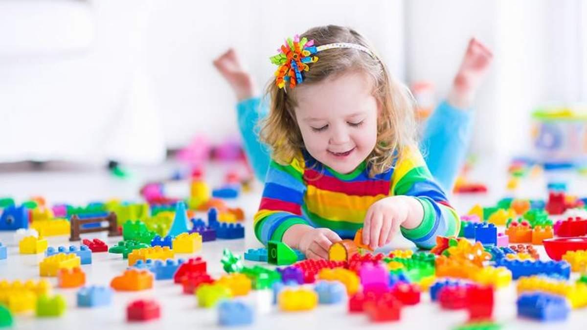 Які іграшки шкодять здоров'ю малюка: перелік