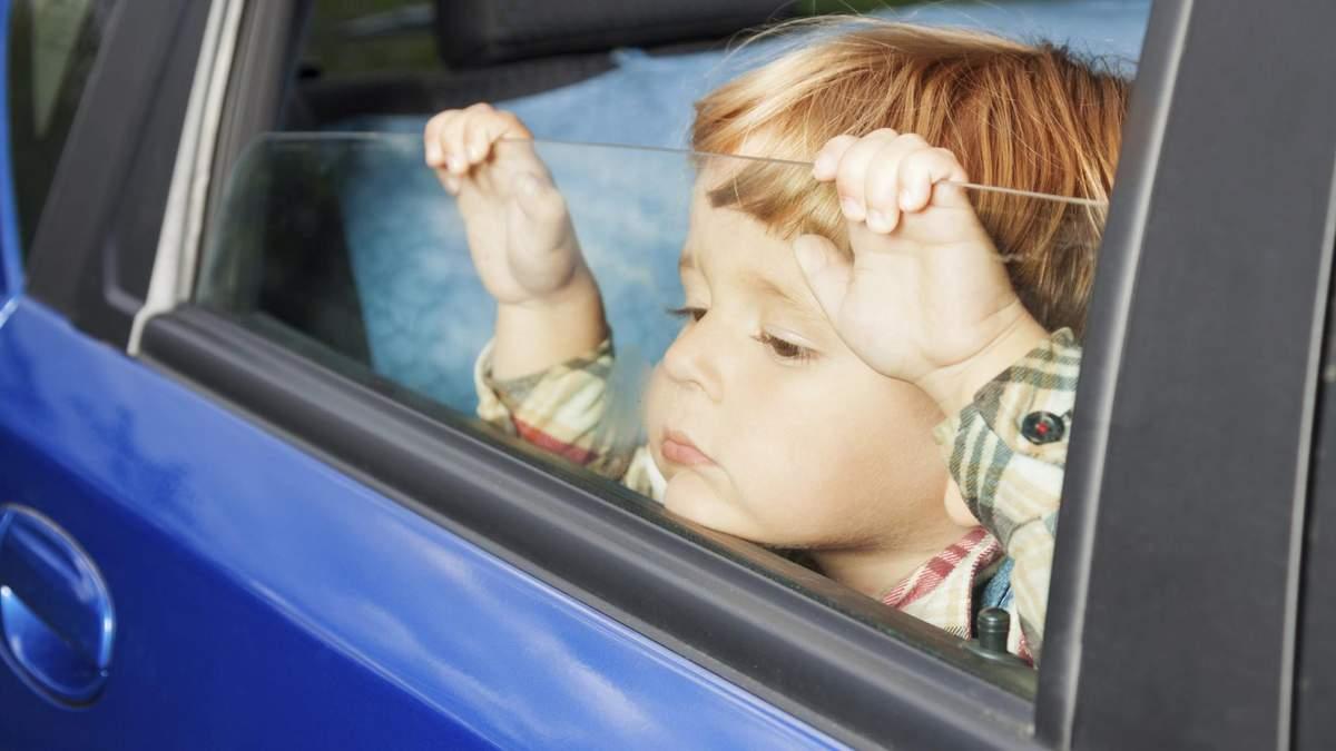 Почему опасно оставлять детей в авто: объяснение Супрун