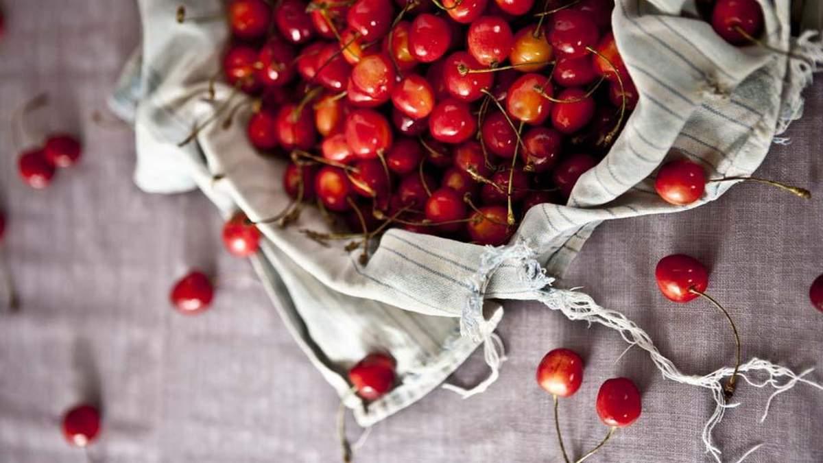 Вишня или черешня: диетолог рассказала, какой из плодов полезнее