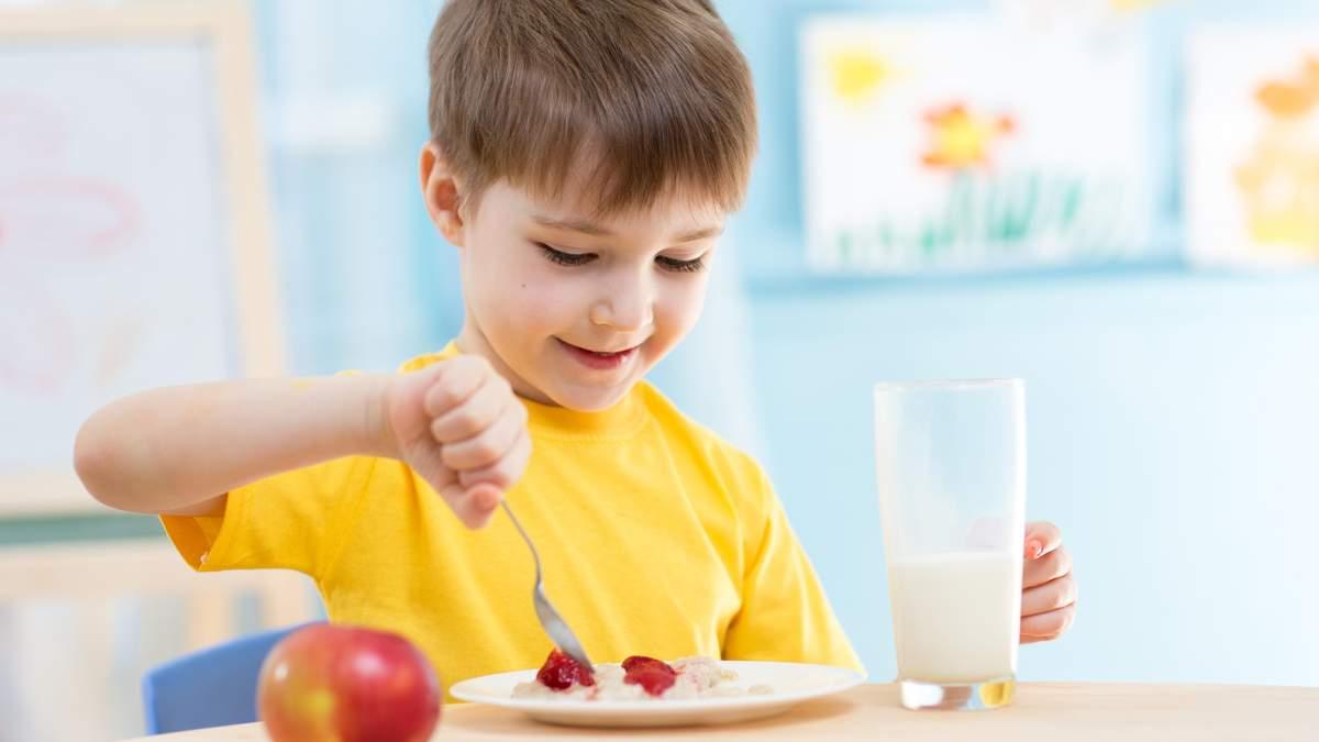 Чим годувати дитину у спеку: пояснення лікаря