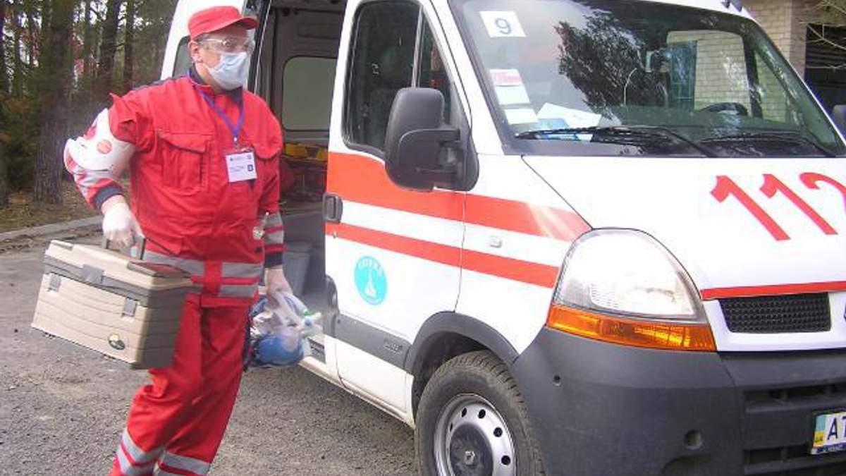 На Черкащині лікарю швидкої допомоги зламали щелепу