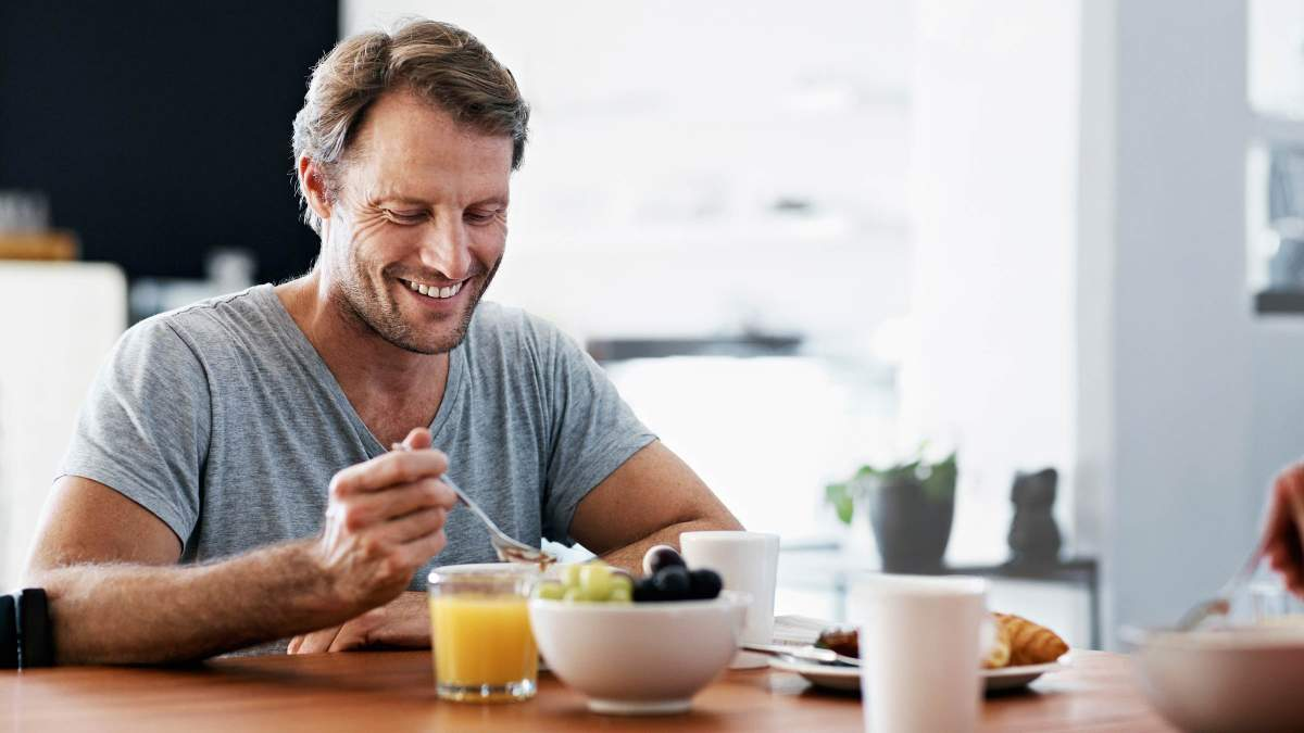Коли потрібно снідати та вечеряти, щоб схуднути