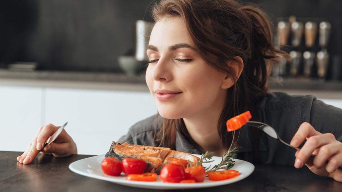 Чи можна набрати зайву вагу через запах їжі