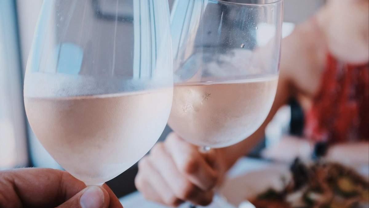 Ученые опровергли миф о пользе вина