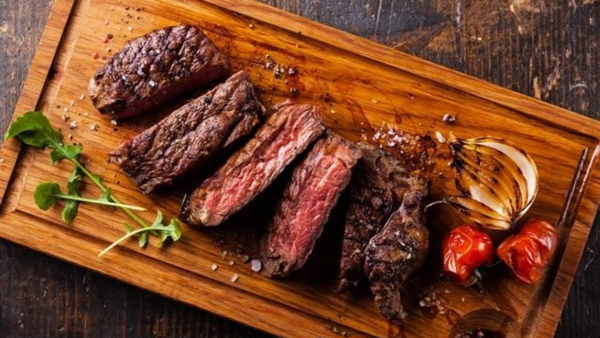 Чому не можна їсти холодне м'ясо