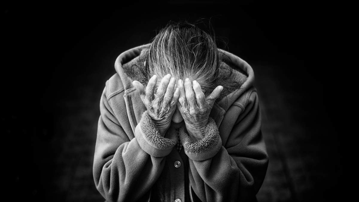Психолог объяснила, почему плакать и злиться – это нормально