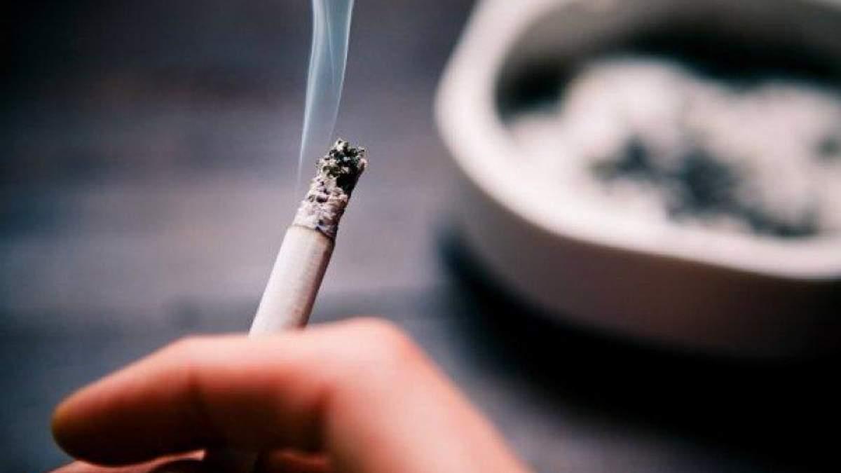 Сколько несовершеннолетних курят в Украине: данные Минздрава