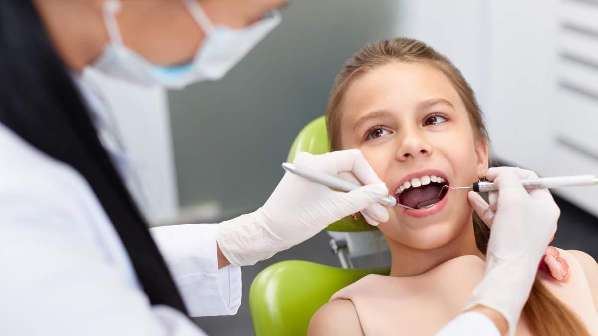 Чому дитину треба відвести до стоматолога: найпоширеніші причини