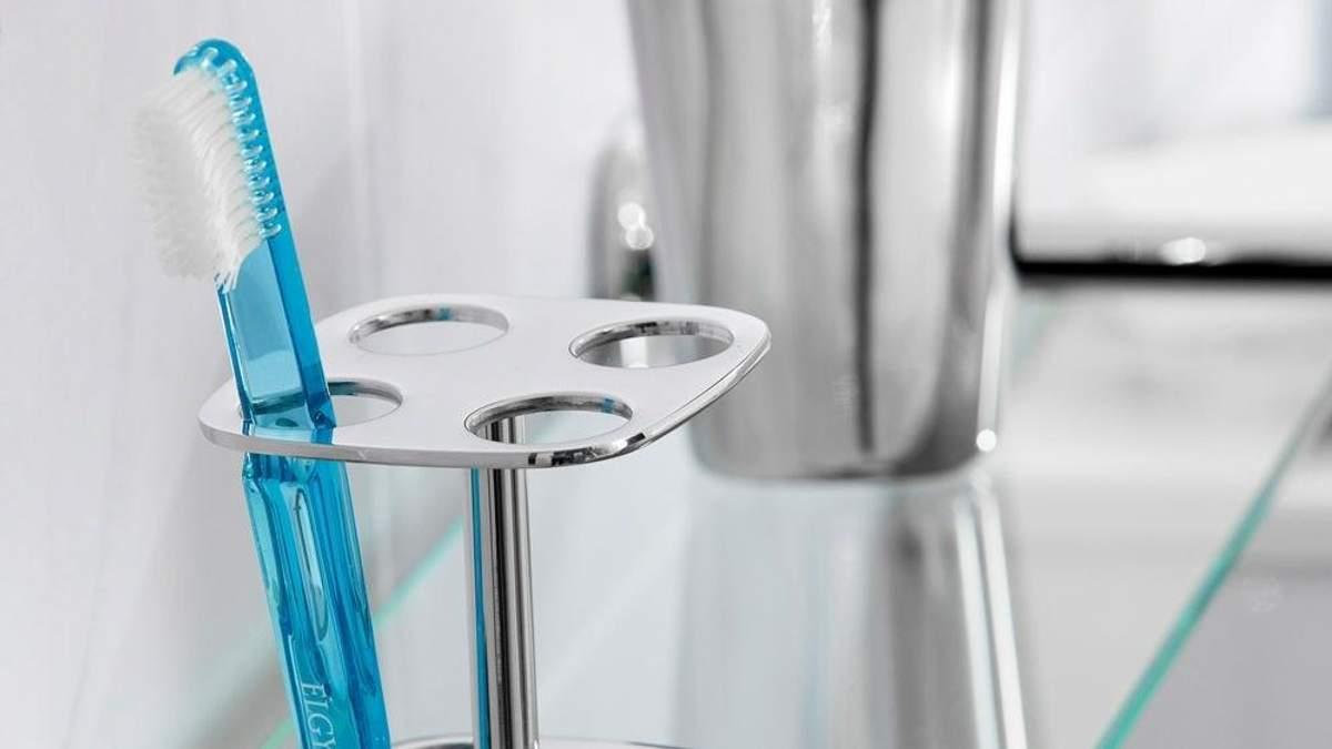 Як правильно зберігати зубну щітку