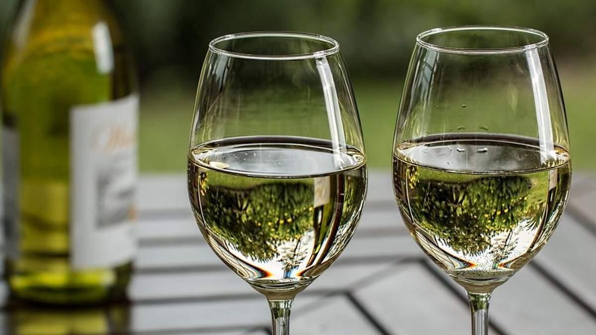 Ученые рассказали, почему людей тянет к алкоголю